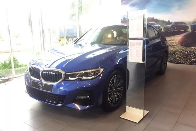 Cận cảnh BMW 330i M Sport giá 2,38 tỷ đồng tại Việt Nam Ảnh 6