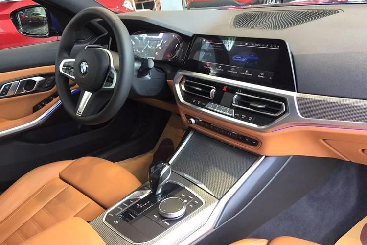 Cận cảnh BMW 330i M Sport giá 2,38 tỷ đồng tại Việt Nam Ảnh 4