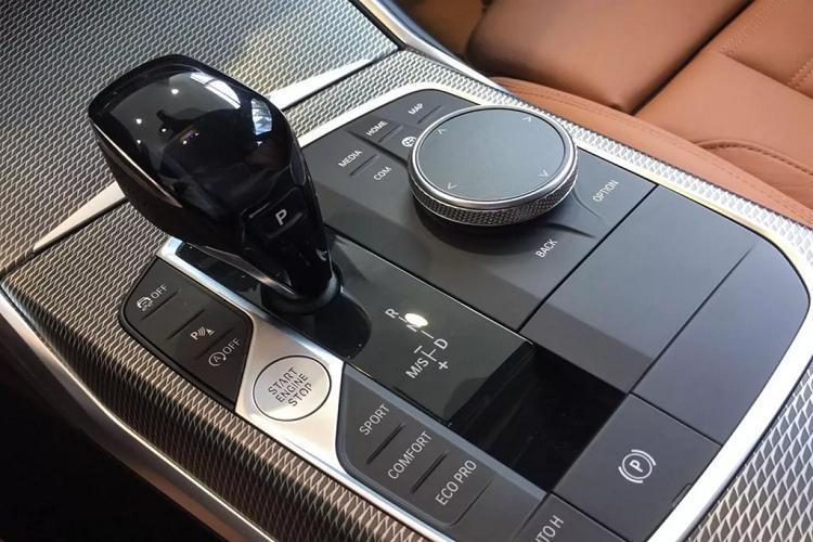 Cận cảnh BMW 330i M Sport giá 2,38 tỷ đồng tại Việt Nam Ảnh 8