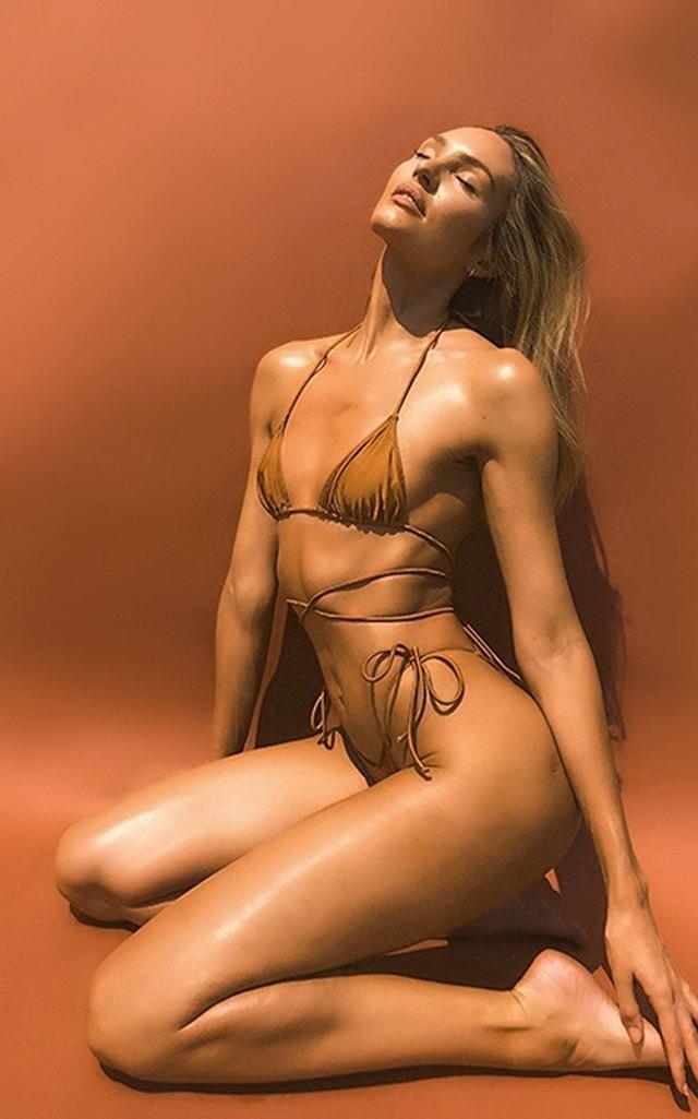 Mê mẩn ngắm 'Biểu tượng sắc đẹp' Nam Phi như búp bê 'Barbie sống' Ảnh 16