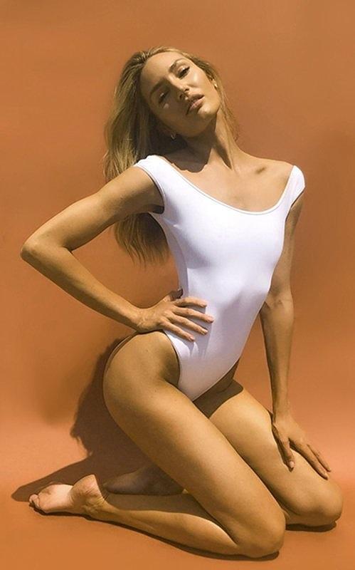 Mê mẩn ngắm 'Biểu tượng sắc đẹp' Nam Phi như búp bê 'Barbie sống' Ảnh 4