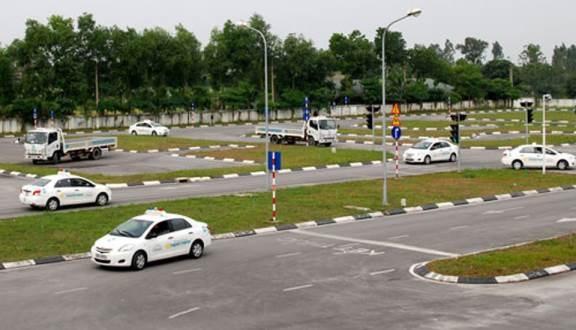 Danh sách 7 trung tâm đào tạo lái xe 'chui' ở Hà Nội Ảnh 2