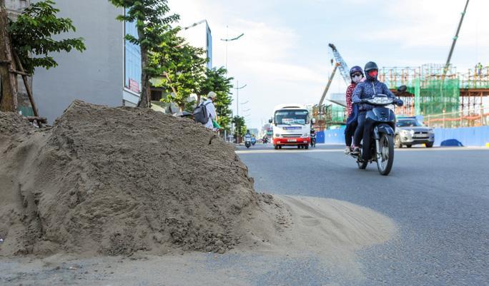 Những 'chiếc bẫy' chết người rình rập trên đường Phạm Văn Đồng Ảnh 17