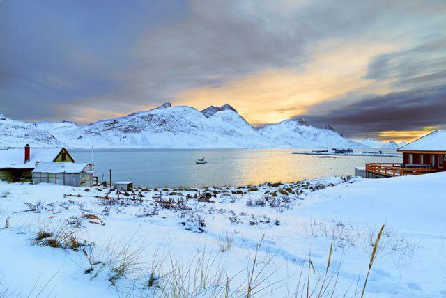 Greenland, hòn đảo Tổng thống Trump đòi mua đẹp đến thế nào? Ảnh 2