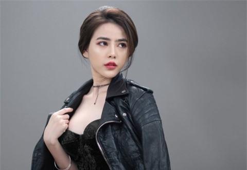 Á hậu Thủy Tiên xinh đẹp trong trang phục thời trang Châu Á Ảnh 5