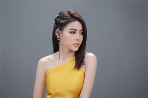 Á hậu Thủy Tiên xinh đẹp trong trang phục thời trang Châu Á Ảnh 4