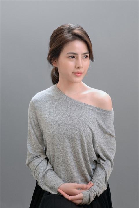 Á hậu Thủy Tiên xinh đẹp trong trang phục thời trang Châu Á Ảnh 1