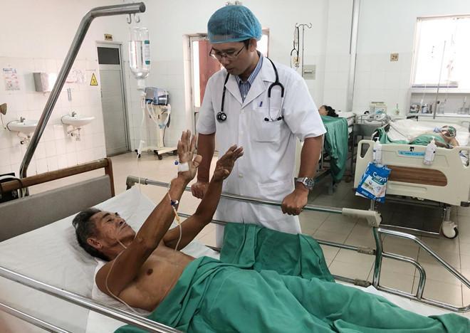 40 phút cứu sống hai bệnh nhân bị đột quỵ cấp Ảnh 1