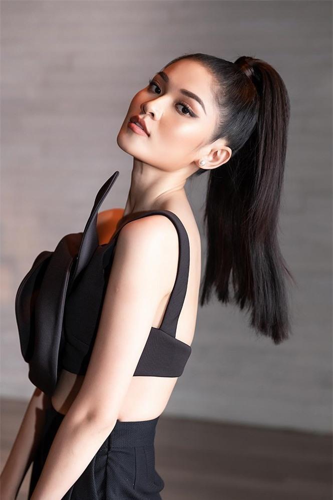 Á hậu Thùy Dung 'lột xác' với phong cách táo bạo Ảnh 3