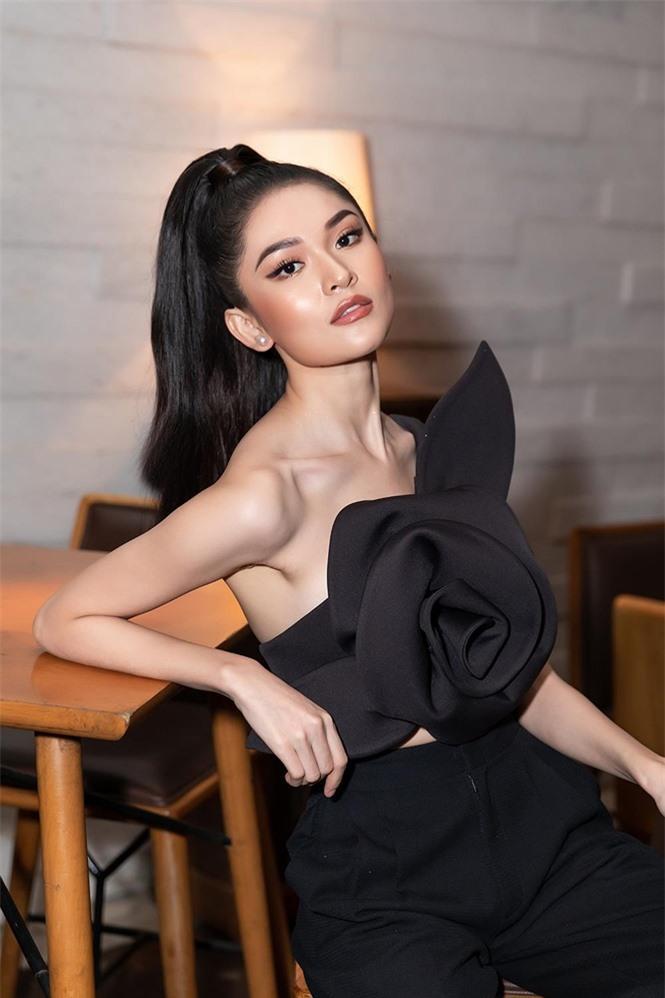 Á hậu Thùy Dung 'lột xác' với phong cách táo bạo Ảnh 4