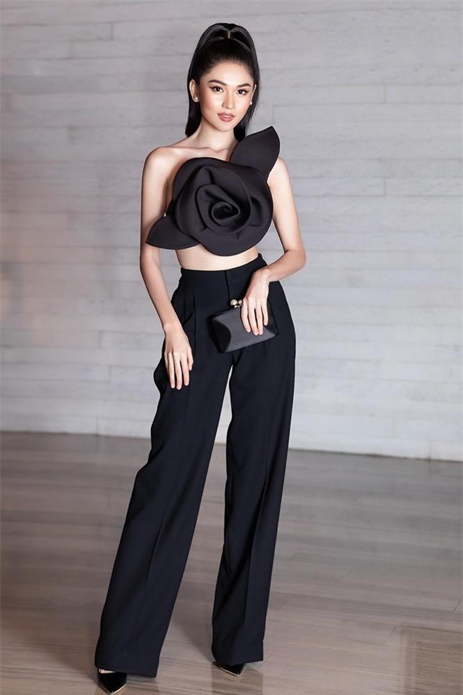 Á hậu Thùy Dung 'lột xác' với phong cách táo bạo Ảnh 2