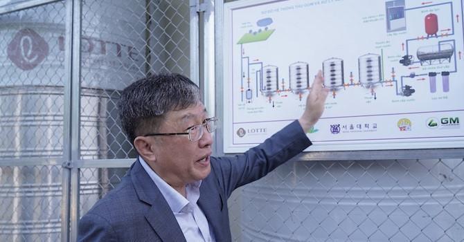 Chuyên gia Hàn Quốc xử lý nước mưa thành nước uống Ảnh 1