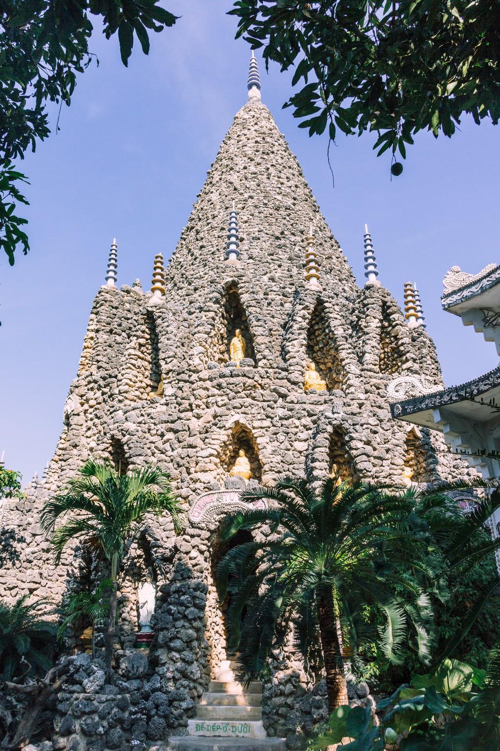 Ngôi chùa vỏ ốc ở Cam Ranh đẹp khác lạ trên báo nước ngoài Ảnh 5