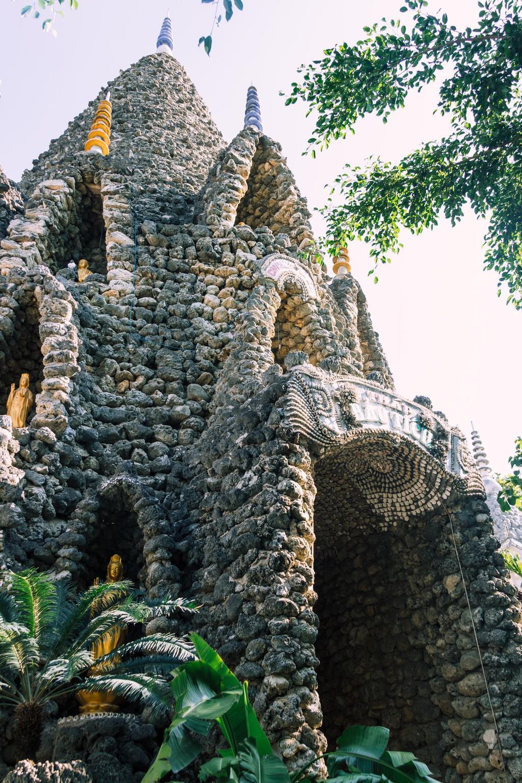 Ngôi chùa vỏ ốc ở Cam Ranh đẹp khác lạ trên báo nước ngoài Ảnh 9