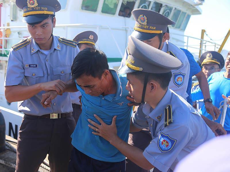 41 ngư dân trôi dạt trên biển gần 40 tiếng đồng hồ Ảnh 3