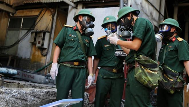 Vụ cháy công ty Rạng Đông: Bộ đội hóa học chuẩn bị phương án tẩy độc Ảnh 2