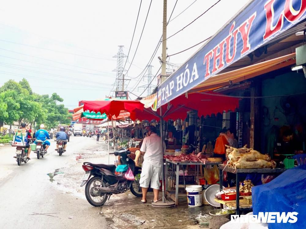 Chính quyền kêu gọi từ bỏ thói quen ăn thịt chó, chợ chó nổi tiếng TP.HCM vẫn 'hút' khách Ảnh 1