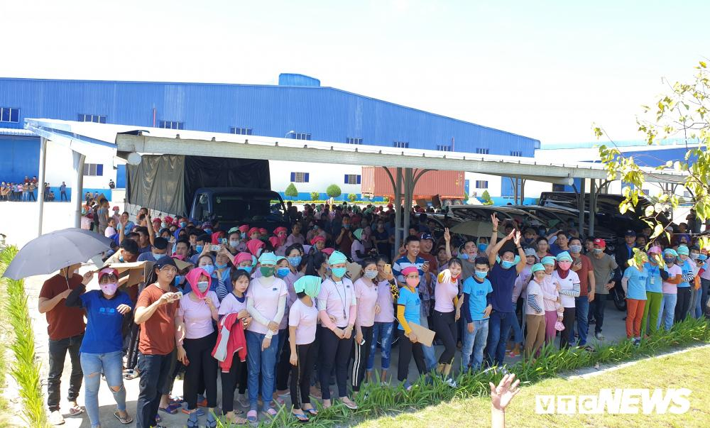 Tố cơm trưa có giòi, hàng nghìn công nhân ở Quảng Nam đình công Ảnh 1