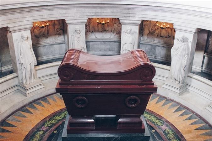 Bên trong lăng mộ hoàng đế Napoleon có gì đặc biệt? Ảnh 9