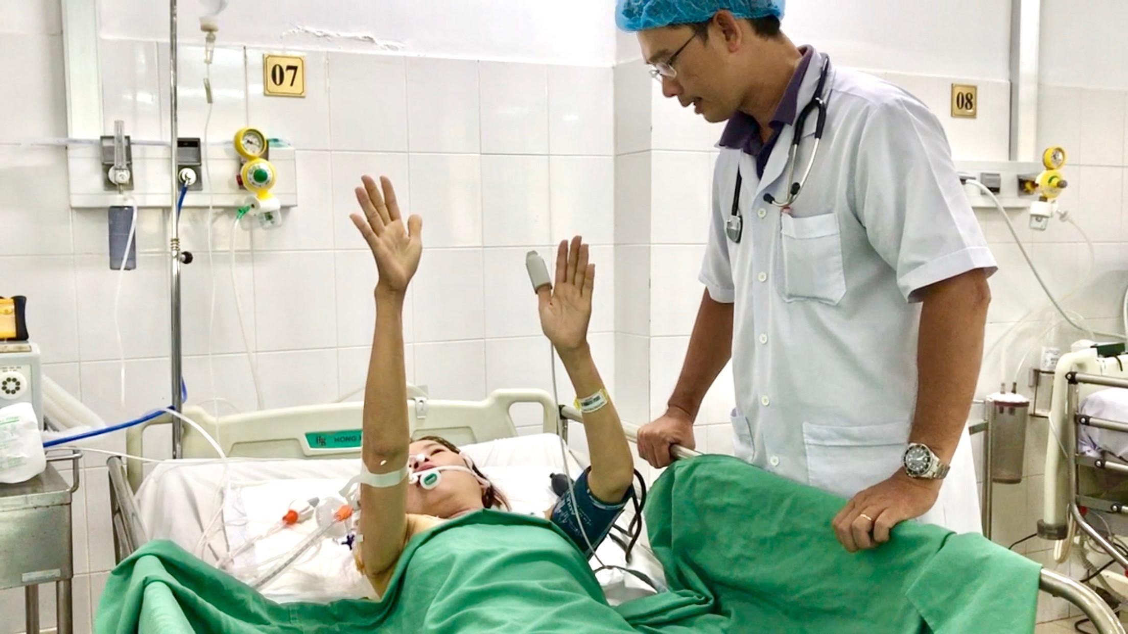 Cứu sống bệnh nhân nữ bị vỡ túi phình mạch máu não Ảnh 1
