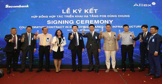 Sacombank tiên phong ký kết xài POS chung với Alliex Việt Nam Ảnh 1