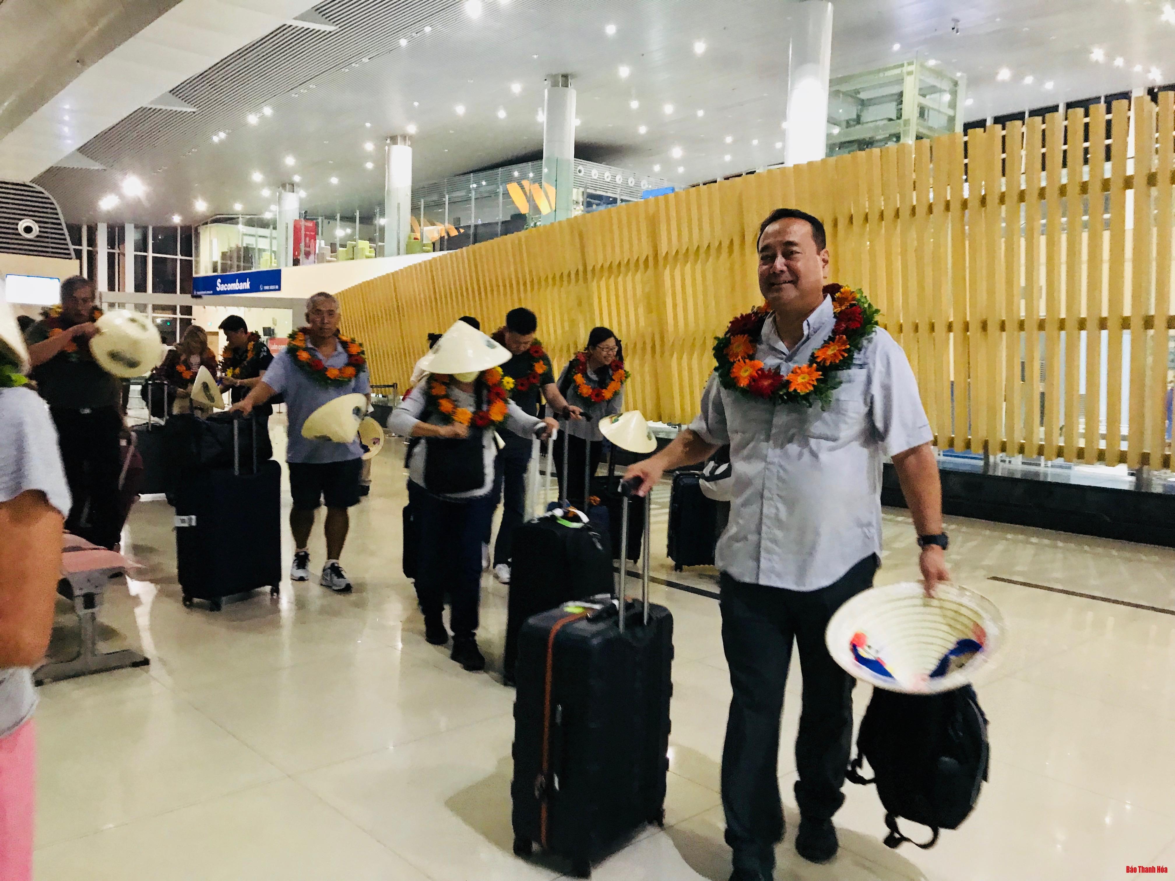 Đón đoàn khách du lịch từ Hoa Kỳ đến Thanh Hóa sau chương trình xúc tiến thương mại Ảnh 1