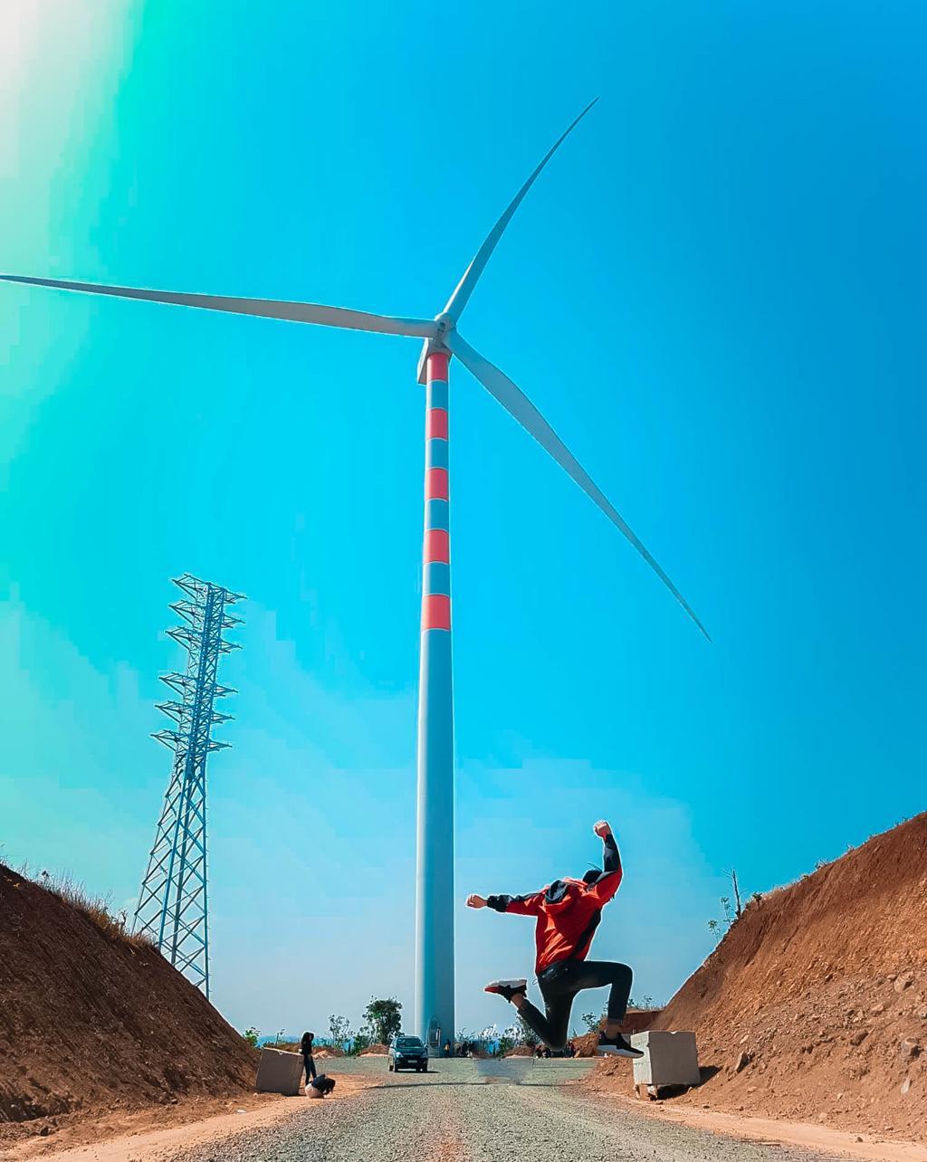 4 cánh đồng quạt gió ở Việt Nam được hội mê sống ảo săn lùng Ảnh 9