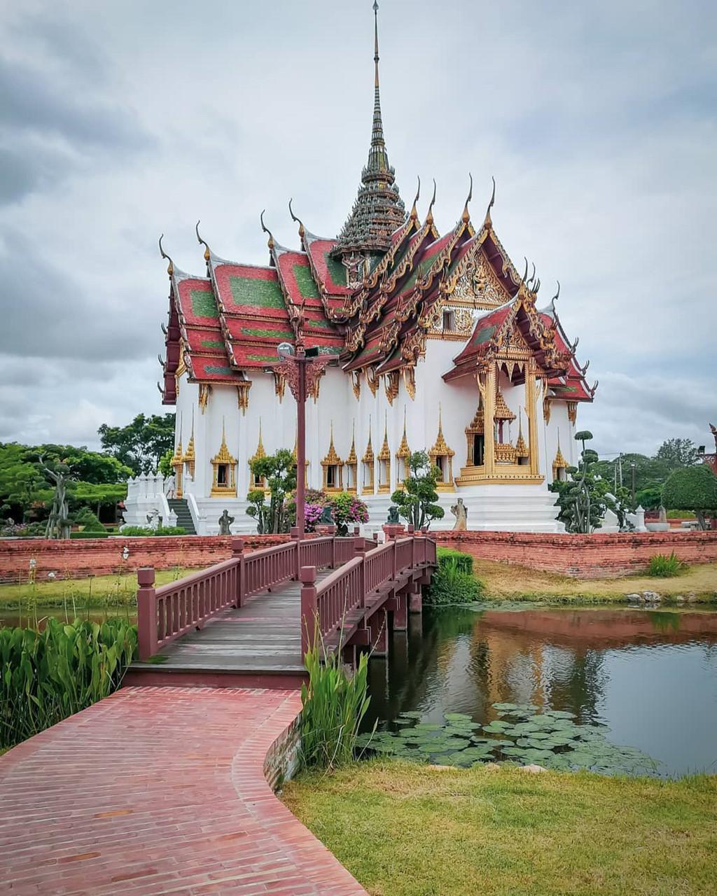 Thủy quái bao quanh ngôi đền trong thành cổ ở Thái Lan Ảnh 11