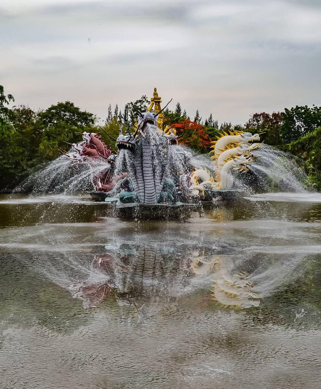 Thủy quái bao quanh ngôi đền trong thành cổ ở Thái Lan Ảnh 6