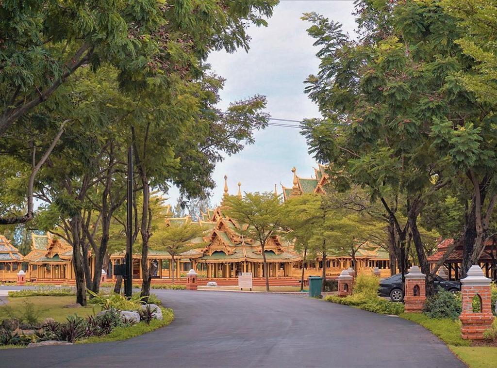 Thủy quái bao quanh ngôi đền trong thành cổ ở Thái Lan Ảnh 12