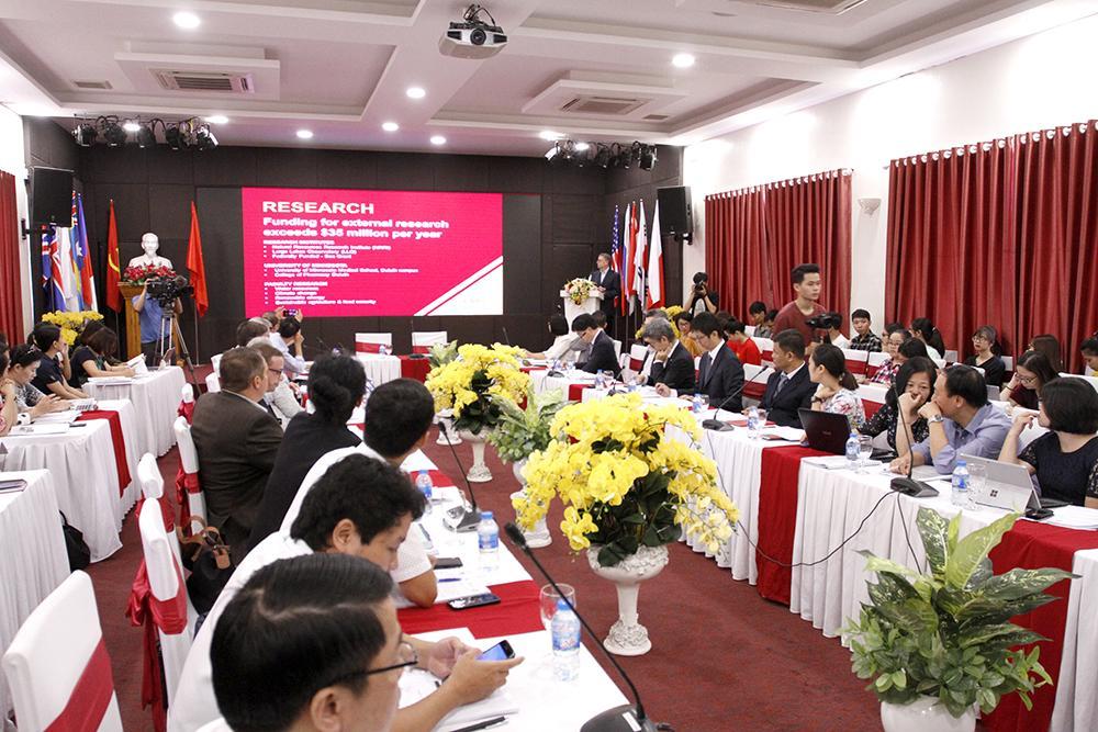 Hội thảo quốc tế 'Sự biến đổi của thương mại quốc tế và chuỗi cung ứng toàn cầu' Ảnh 1