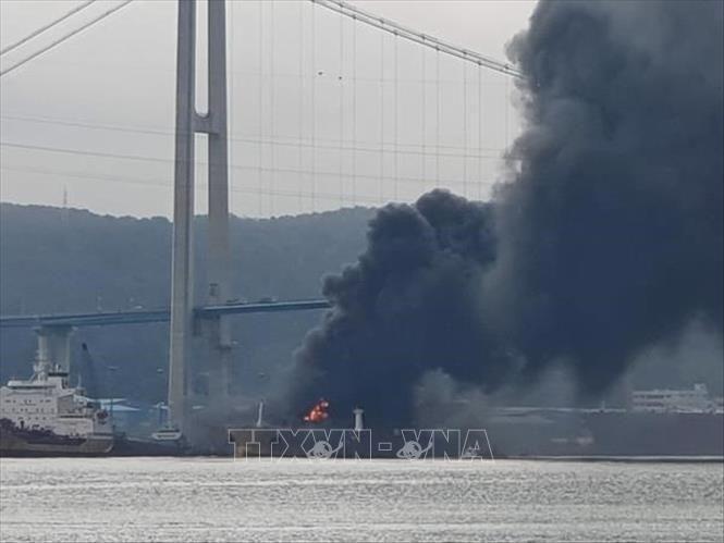 Số thương vong tăng gấp đôi trong vụ nổ tàu chở dầu tại Hàn Quốc Ảnh 1
