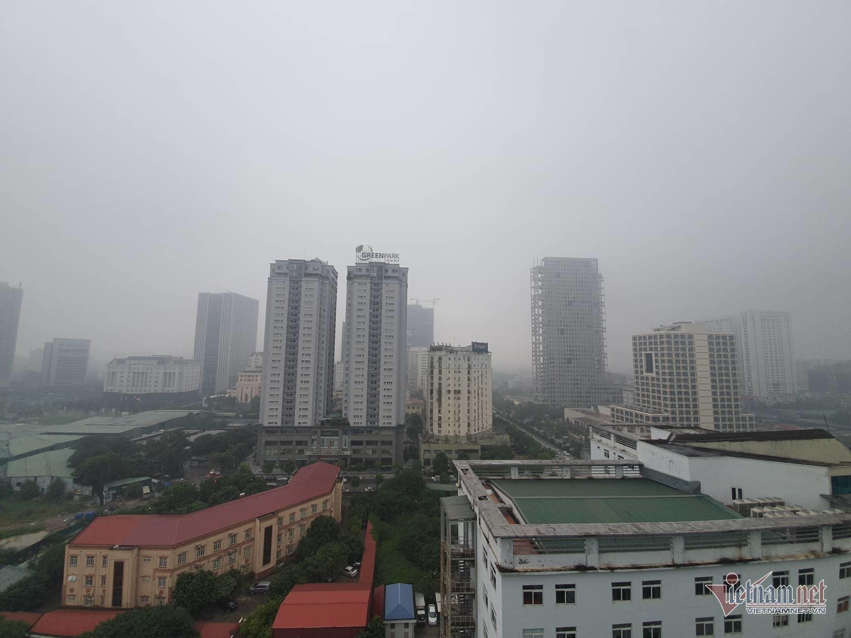 Sương mù giăng phủ Hà Nội, cao ốc mất hút Ảnh 6