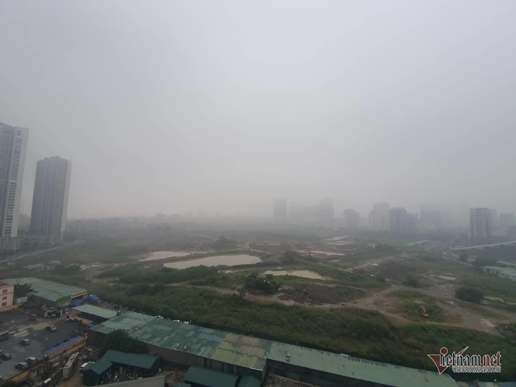 Sương mù giăng phủ Hà Nội, cao ốc mất hút Ảnh 5