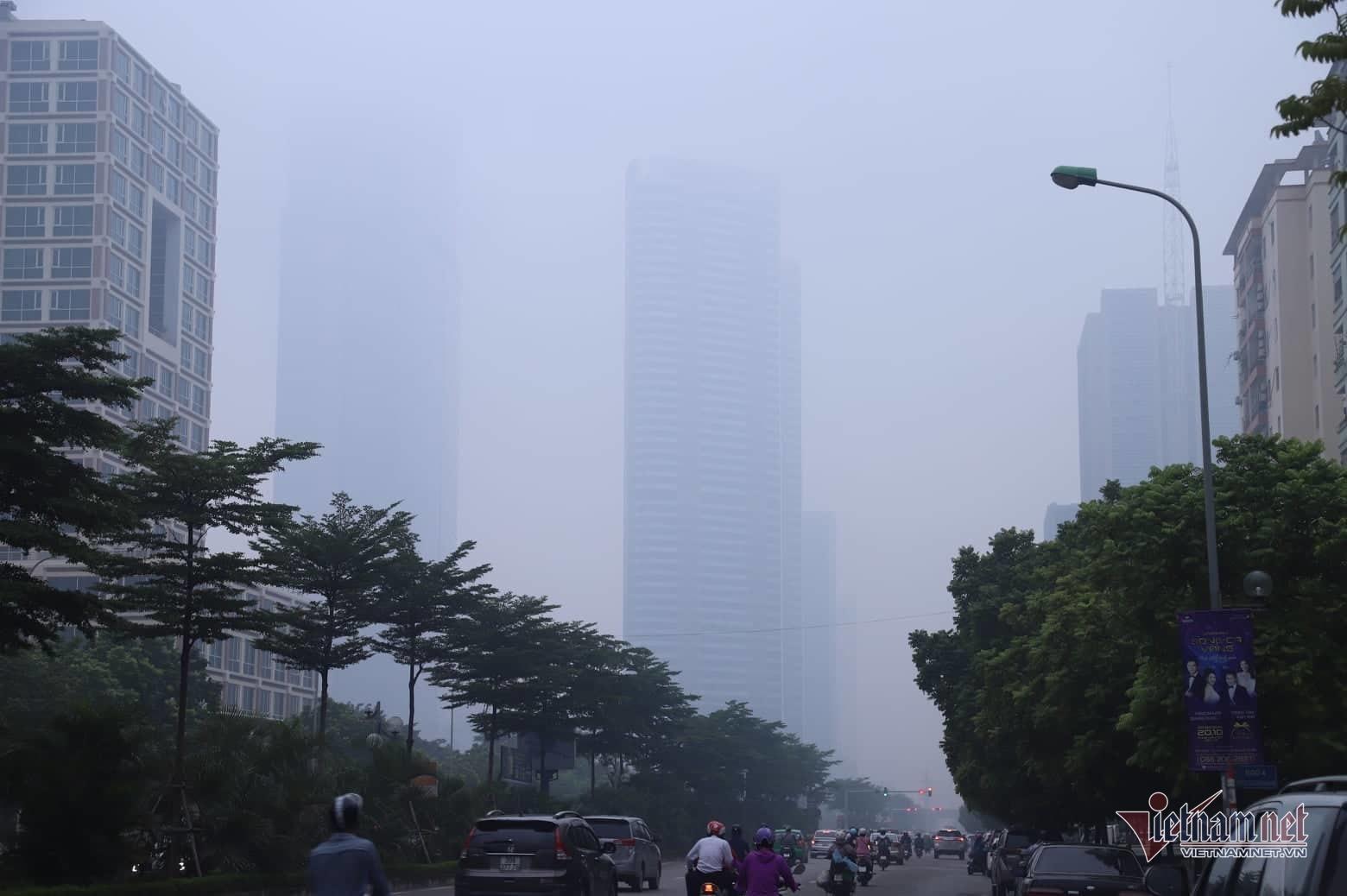 Sương mù giăng phủ Hà Nội, cao ốc mất hút Ảnh 8