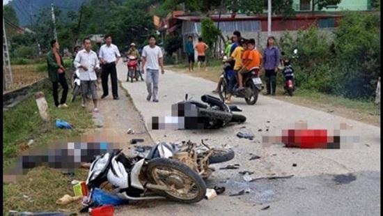 Hai xe máy tông nhau trực diện, năm người thương vong Ảnh 1