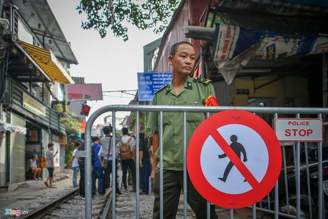 Hà Nội chính thức dẹp 'cà phê đường tàu' Ảnh 1