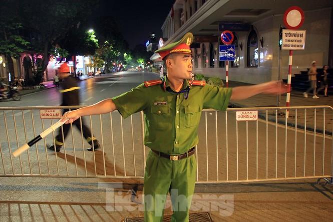 Cảnh sát trắng đêm chống đua sau trận Việt Nam thắng Malaysia Ảnh 5