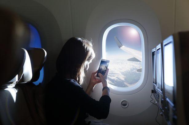 Tại sao đi máy bay luôn được thông báo phải tắt điện thoại hoặc chuyển sang chế độ riêng, nếu không làm theo thì sao? Ảnh 5