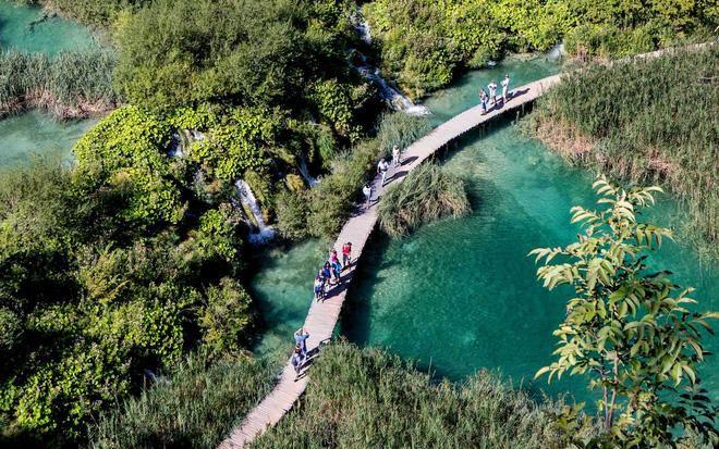 Hòn đảo duy nhất của Việt Nam bất ngờ lọt top những nơi có làn nước trong xanh nhất thế giới, bạn đã đi chưa? Ảnh 29