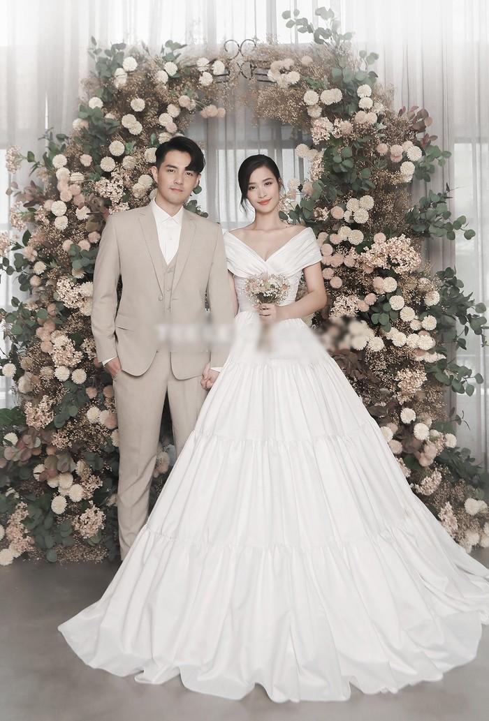 Góc thú vị: Thì ra váy cưới Đông Nhi là phiên bản 'chị em' với đầm cưới Nhã Phương Ảnh 5