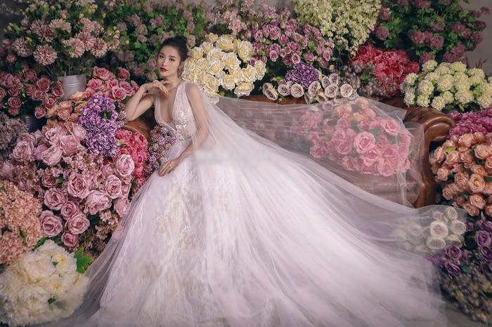 Góc thú vị: Thì ra váy cưới Đông Nhi là phiên bản 'chị em' với đầm cưới Nhã Phương Ảnh 3