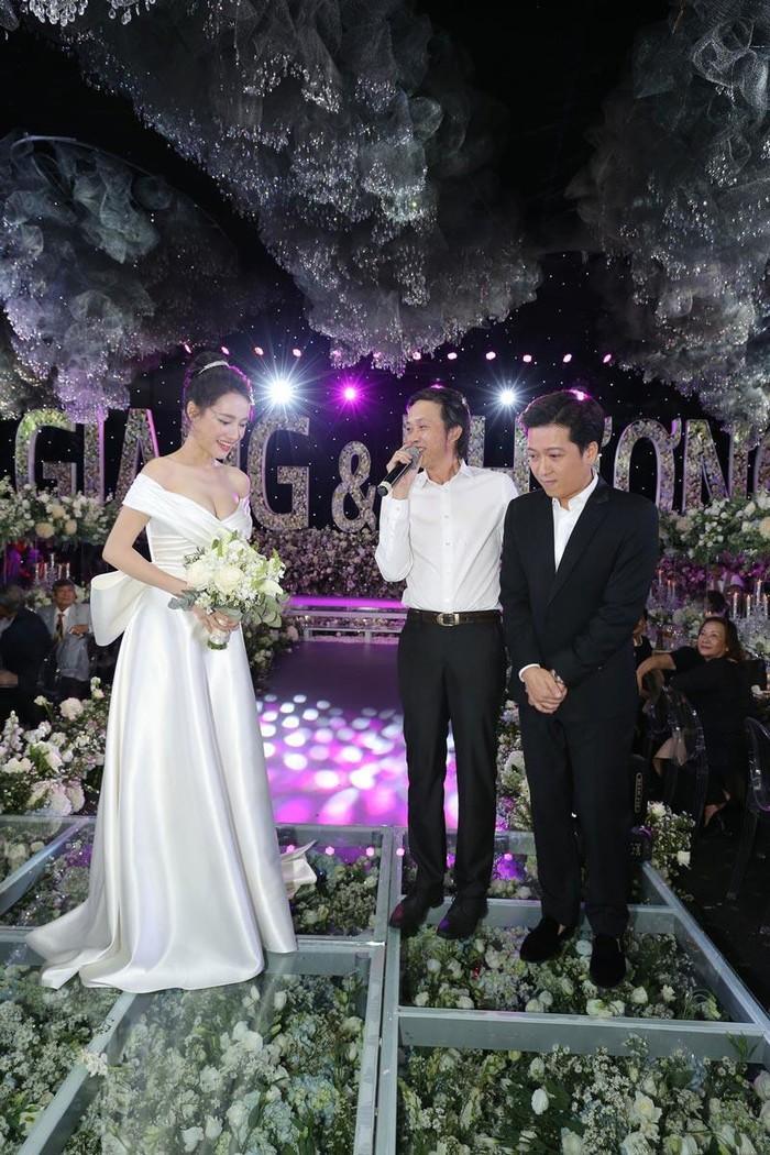Góc thú vị: Thì ra váy cưới Đông Nhi là phiên bản 'chị em' với đầm cưới Nhã Phương Ảnh 10