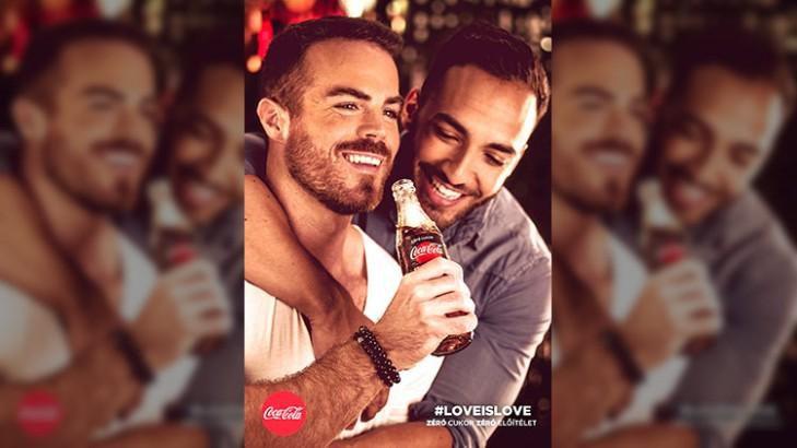 Coca Cola bị phạt do đưa các đôi đồng tính vào quảng cáo Ảnh 1