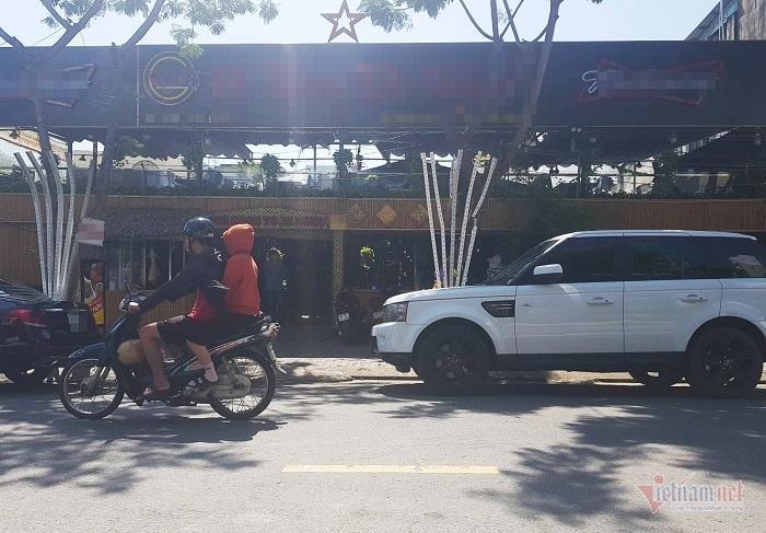 6 thanh niên vác gậy sắt lao vào quán nhậu ở Đà Nẵng đập phá Ảnh 2