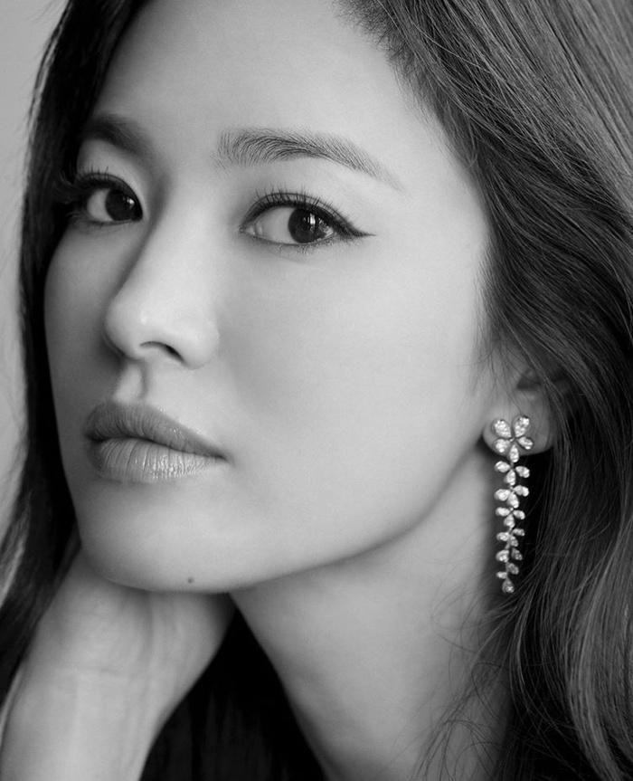 Song Hye Kyo tung ảnh, độ sắc Jang Nara trên MXH Ảnh 6