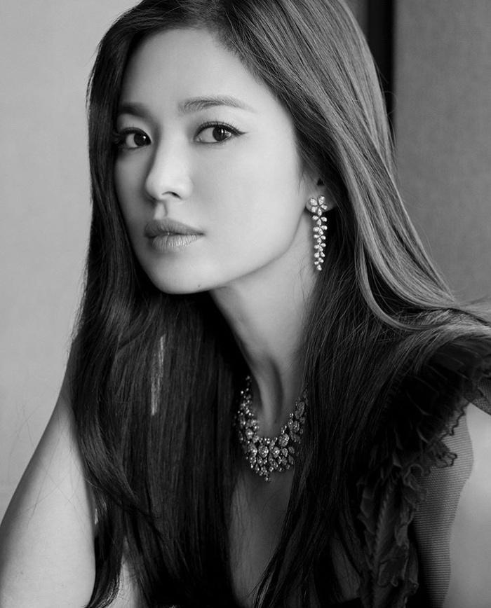 Song Hye Kyo tung ảnh, độ sắc Jang Nara trên MXH Ảnh 7