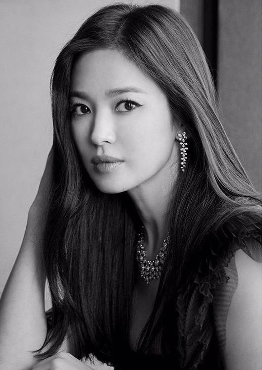 Song Hye Kyo tung ảnh, độ sắc Jang Nara trên MXH Ảnh 5