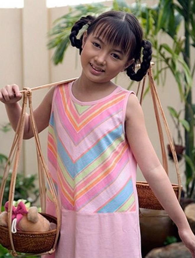 Angela Phương Trinh, Thùy Anh thay đổi ra sao sau nhiều năm? Ảnh 11