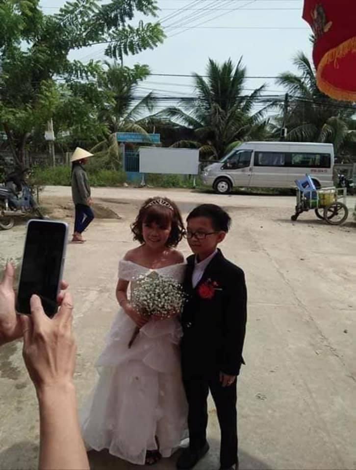 Ảnh cưới của chàng tý hon và cô giáo 1,2m gây sốt cộng đồng mạng Ảnh 4